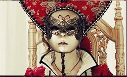 Queen of Hearts (2)