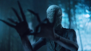 2018 Slender Man - Arms Out