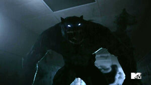 Teen-Wolf-Season-5-Episode-13-Codominance-The-Beast-of-Gevaudan