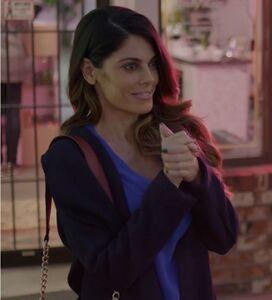 Amber as Kendra