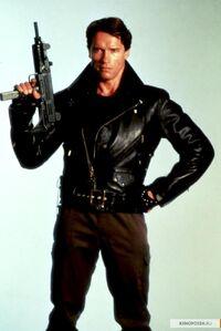 Kinopoisk.ru-The-Terminator-2467916