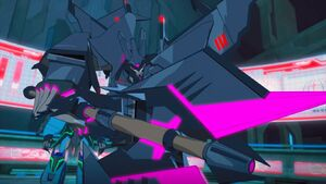 TRID SF Cyclonus wielding axe-weapon