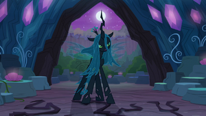 Queen Chrysalis confronting the clones S8E13