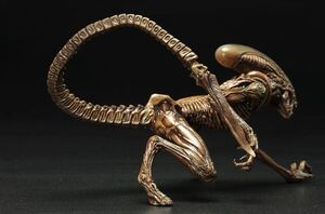 Alien-3-Dog-Alien-ArtFX-Statue-2
