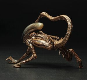 Alien-3-Dog-Alien-ArtFX-Statue-7