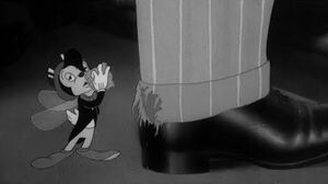 Eatin on the Cuff Or The Moth Who Came to Dinner - 1942 - Looney Tunes - (HD CC)