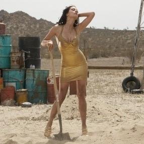 Erin-cummings-julia-voth-e-america-olivo-nel-film-bitch-slap-le-superdotate-206190