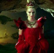 Queen-of-Hearts-OUATI-Wonderland-S1-Ep1-300x295