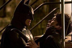 Batman-and-Scarecrow-batman-begins-11593627-450-300