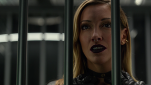 Black Siren manipulates Oliver