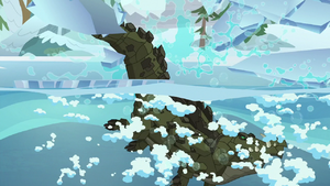 Cragadile Chrysalis dives into icy water S9E8