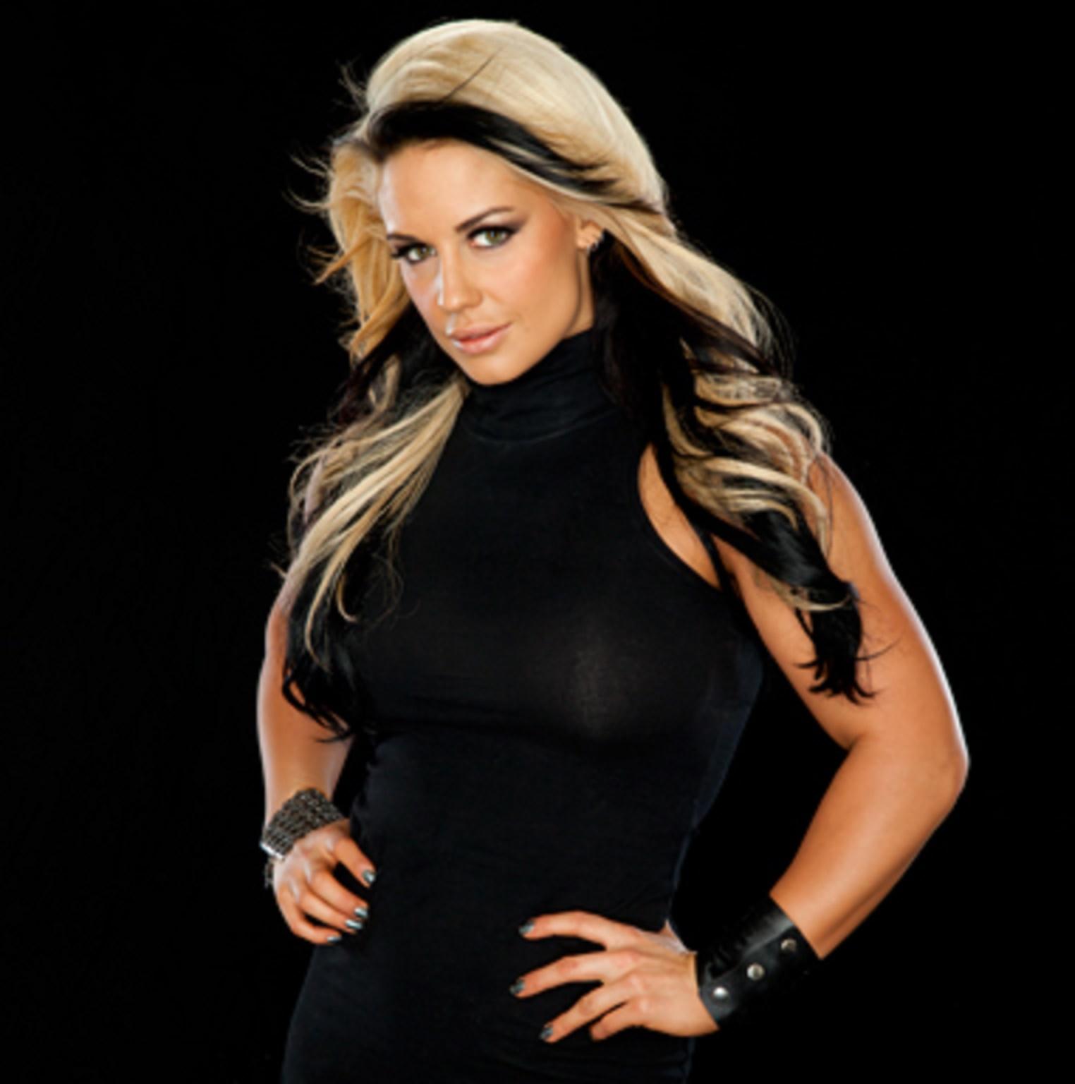 Kaitlyn WWE Nude Photos 74