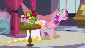 Chrysalis as Cadance kicking the table S2E26