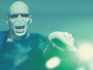 Voldemort WB F5 VoldemortCastingGreenSpell Still 100615 Land