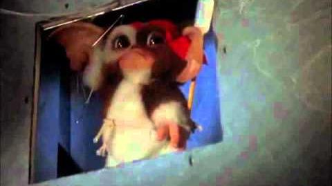 Gremlins 2- Gizmo Vs