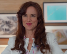Juliette-lewis-jem-and-the-holograms-e1431524261630
