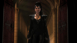 Queen Regina 101 01