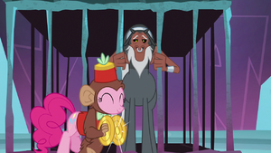 Pinkie crashing cymbals next to Tirek S8E26