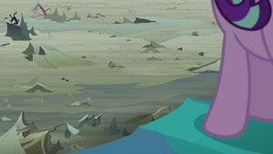 Queen Chrysalis fleeing the Changeling Kingdom S6E26