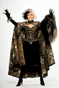 101-Dalmatians-glenn-close-32368194-1192-1771
