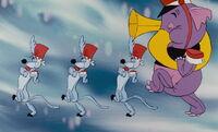 Winnie-the-pooh-disneyscreencaps.com-4460