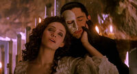 Phantom-of-the-opera-2004-movie-review-music-of-the-night-christina-mask-ghost-gerard-butler-emmy-rossum
