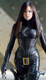 Gi-joe-rise-of-cobra-sienna-miller-as-the-baroness