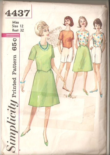 Simplicity 4437 front