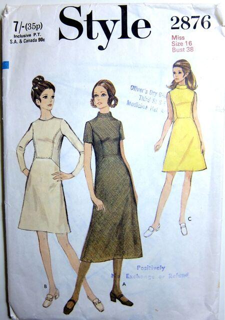 Vintage Style 2876 Dress