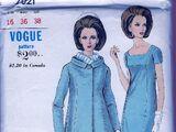 Vogue 7021 B