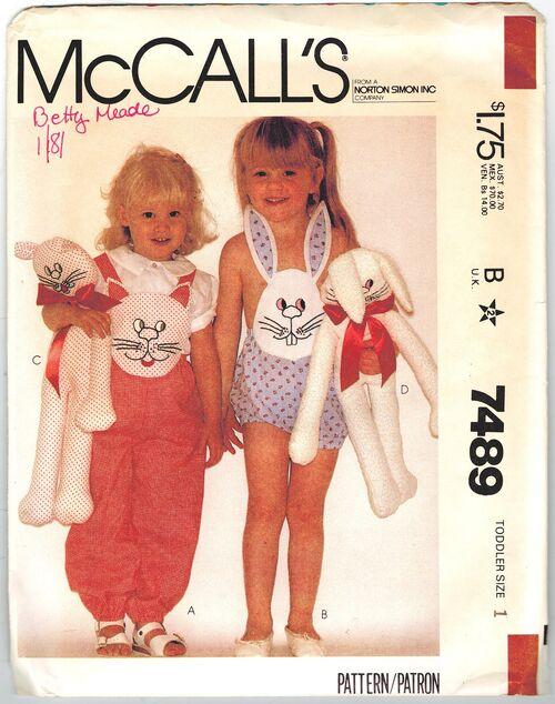 McCalls 7489