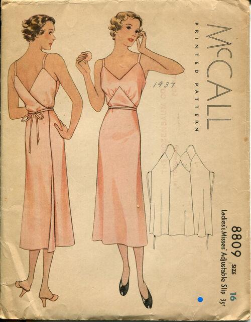 McCall 8809 Size 16