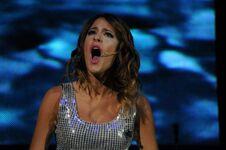 Tini Singing