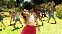 Violetta-musikvideo Right Now - Disney Channel Danmark-1