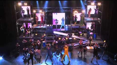 "Violetta Show final Violetta y elenco cantan ""Ser Mejor"""