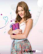 Juga-a-la-moda-con-Martina-Stoessel-Violetta-5