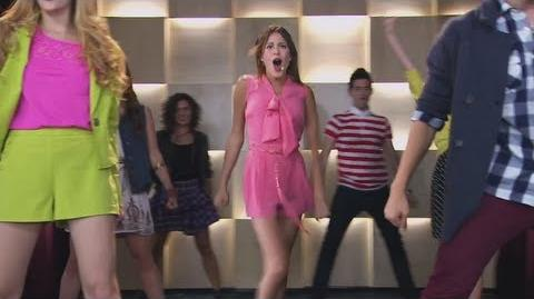 """Violetta 2 I ragazzi cantano e ballano """"Juntos somos más"""" - (Episodio 9)"""