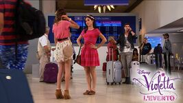 Violetta-LEvento-al-cinema-Violetta-Francesca-aeroporto