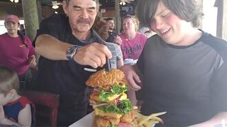 William beats Andy and Bill in The Surf N Turf Challenge at Crabby Joe's (YOU MUST SEE THIS BURGER)!