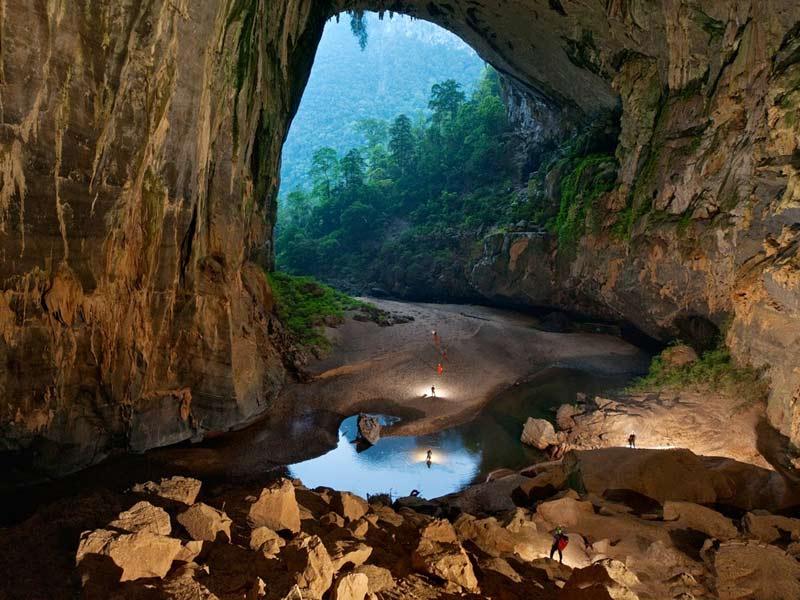 Sơn Đoòng Cave picture 1