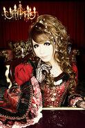 Versailles member 2