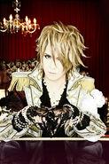 Versailles member 1