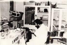 Павел Щербаков в лаборатории