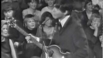 The Beatles - I Saw Her Standing There (live)