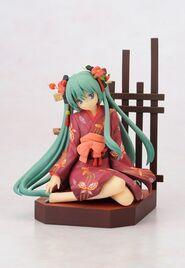 Yumemiru Kotori Figurine