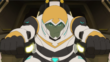 S4E01.256. Hunk's ramming face