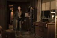 Fear-The-Walking-Dead-3.10-Diviner-1