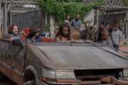 10x04 Michonne and the group arrives at Hilltop