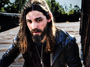The-walking-dead-season-8-jesus-payne-800x600-cast