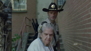 Walking dead season 1 episode 4 vatos (19)
